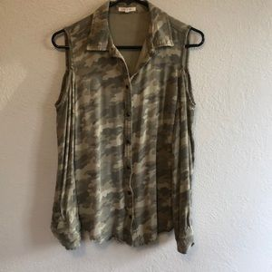 Cold Shoulder Camo Button Down Small Maurice's